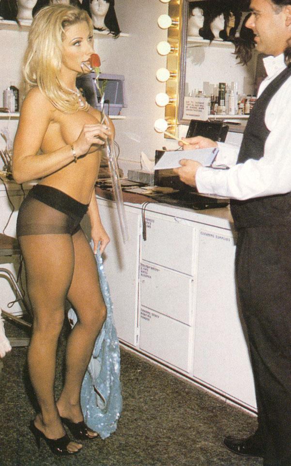 smotret-golie-aktrisi-v-grimernoy